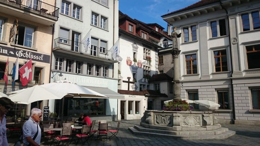 Plaza Weinmarkt .