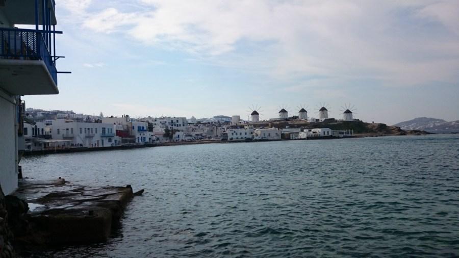Molinos de Mykonos desde el puerto.