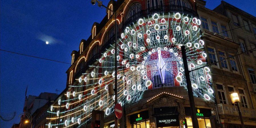 Oporto en Navidad. Iluminación del centro.