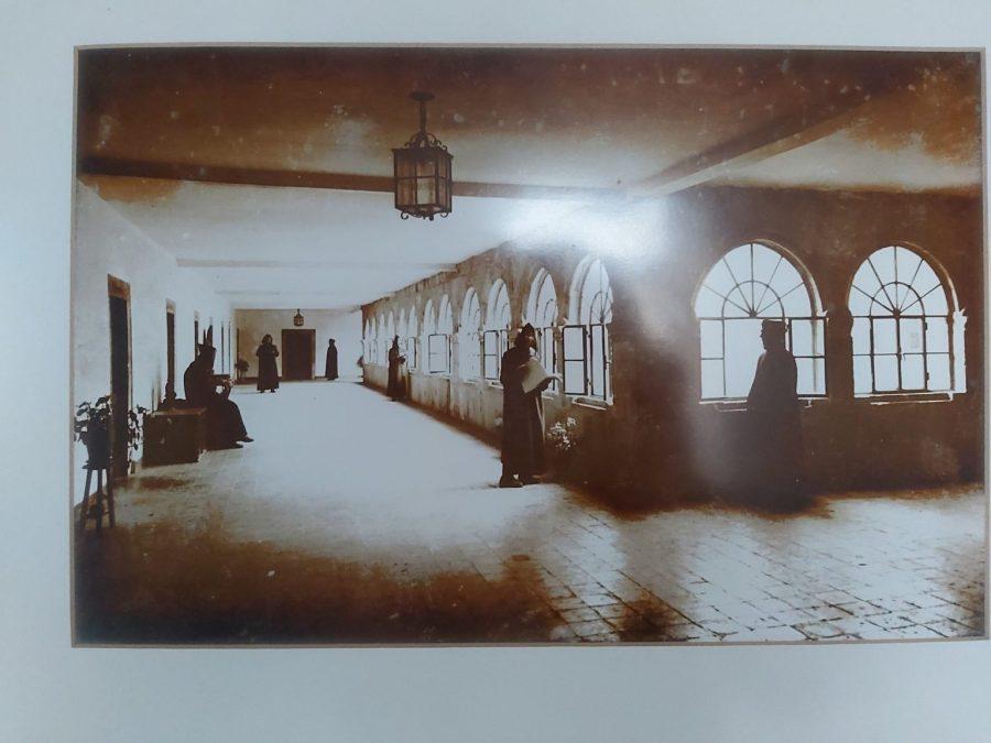 Exposición fotográfica. La vida de los monjes en el Monasterio de Samos.