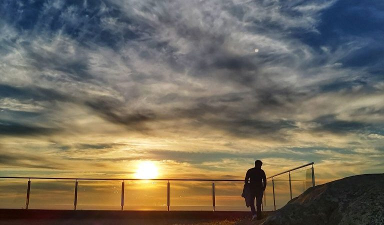 Puesta de sol Finisterre, fin del mundo.