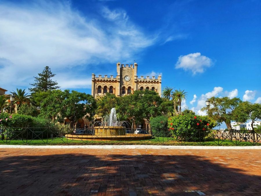 Qué ver en Ciudadela, Ayuntamiento Plaça des Born