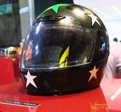 Salão Automoveis 2014 homenagem Ayrton Senna capacete Paula Fernandes (02)
