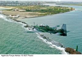A-29 sobreando o Forte Reis Magos