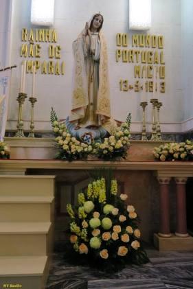 Imagem de Nossa Senhora de Fátima, cuja coroa será colocada pelo Bispo da Diocese, antes do início da Eucaristia Solene. Foto M.V. Basílio