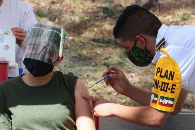 México comienza la vacunación en todos sus estados