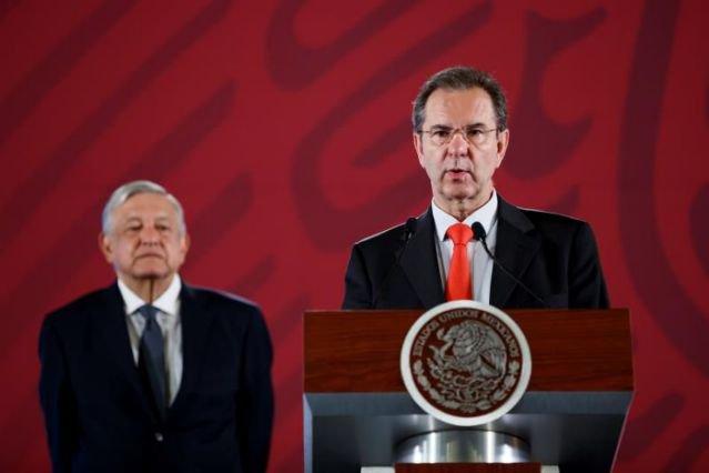 México autoriza clases presenciales en estados con bajo riesgo de COVID-19