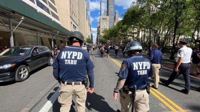 Policía Nueva York prueba perro robótico vigilancia