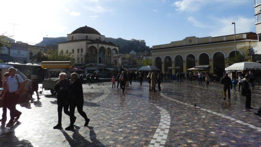 Plaza Monastiraki, una de las cosas que ver Atenas