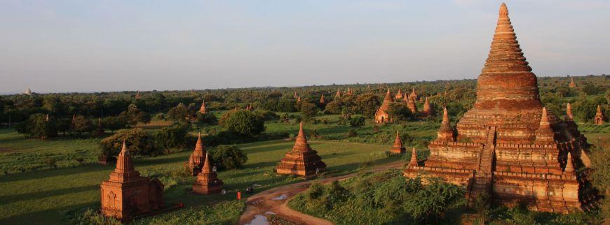 Disfruta de Bagan, uno de los mejores consejos para viajar a Myanmar por libre