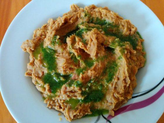 gofio con mojo verde, plato típico de la gastronomía de La Palma