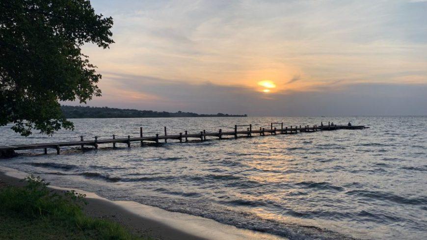 Puesta de sol en Rusinga Island durante nuestra ruta por Kenia, Tanzania y Zanzíbar