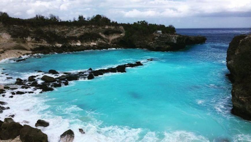 Blue Lagoon en NUsa Ceningan, uno de los mejores momentos de un viaje a Indonesia