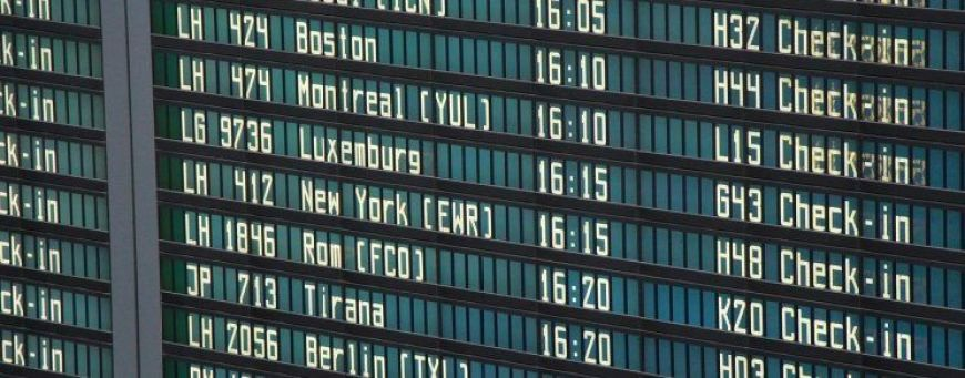 tablero en los aeropuertos de París