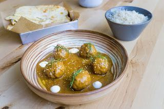 plato de curri con arroz en Masala 73, uno de los restaurantes asiáticos de Barcelona