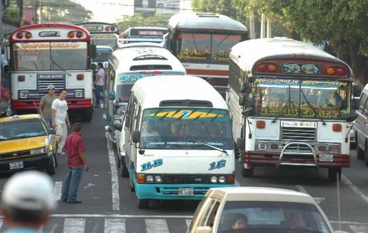Bukele todavía no envía al Congreso propuesta para subsidio al transporte