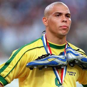 Ronaldo l'ex Fenomeno dichiara Spero che il Napoli vinca lo scudetto-2