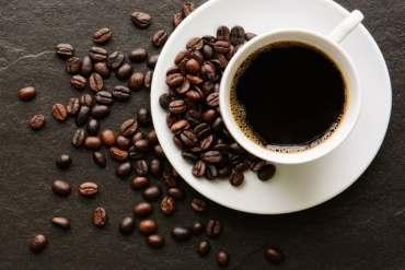 'A tazze e cafè, nota canzone napoletana nata par caso nel 1918, ma chi era Brigida, più volte nominata nel testo?