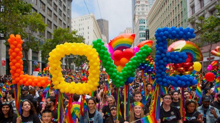 Gay pride -parade -Amore libero