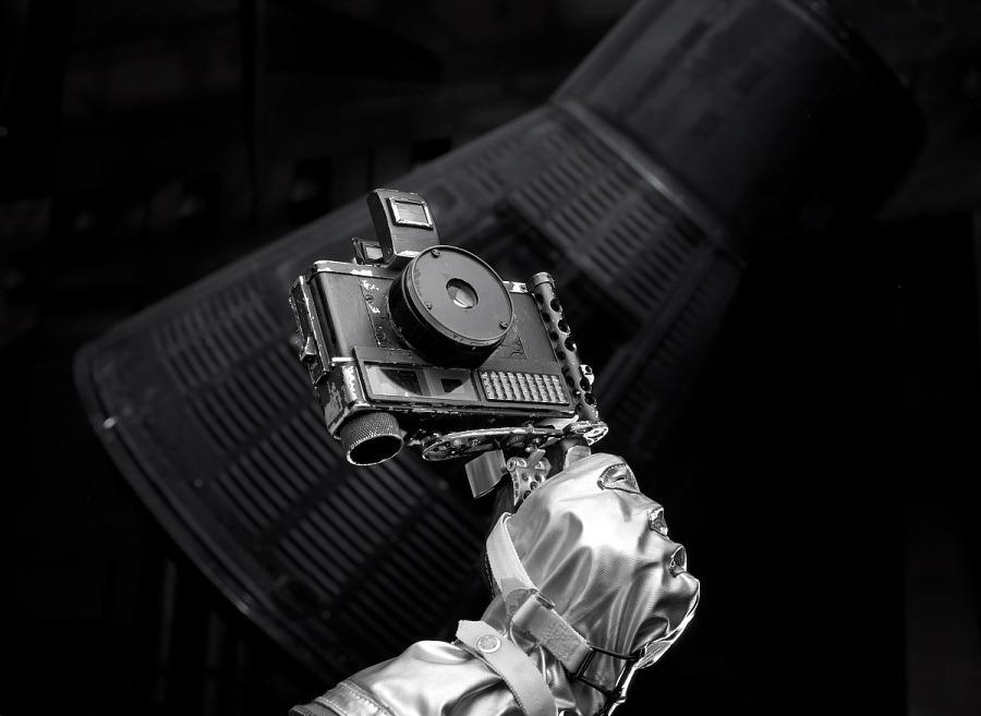 Con questa fotocamera, un modello Ansco Autoset, l'astronauta John H. Glenn, Jr., ha scattato le prime fotografie a colori della Terra catturate dall'uomo.