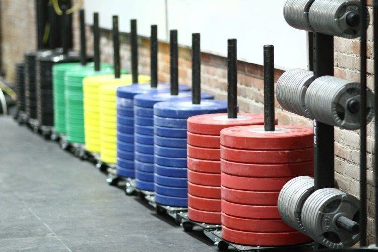 Como hacer crossfit en un gimnasio convencional 1