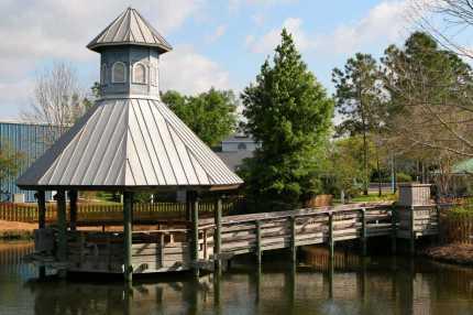 0830 Happy Harbour Pond - Fishing Dock