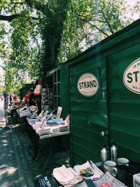 The Strand has a kiosk in Central Park!