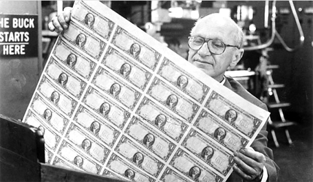 Chicago University and Nobel-winning economist Milton Friedman, inspecting fruits of free markets.