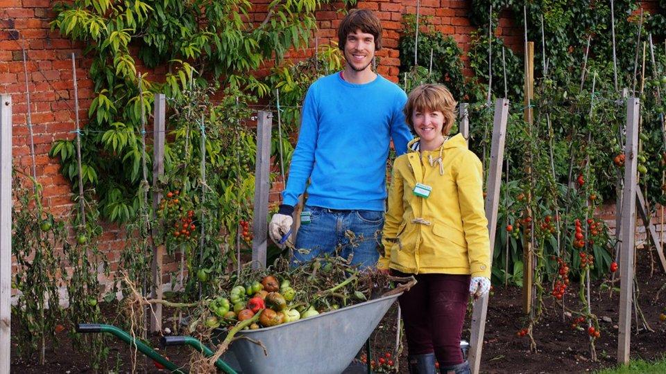 volunteers james kate benstead 160925 rfw credit peter young
