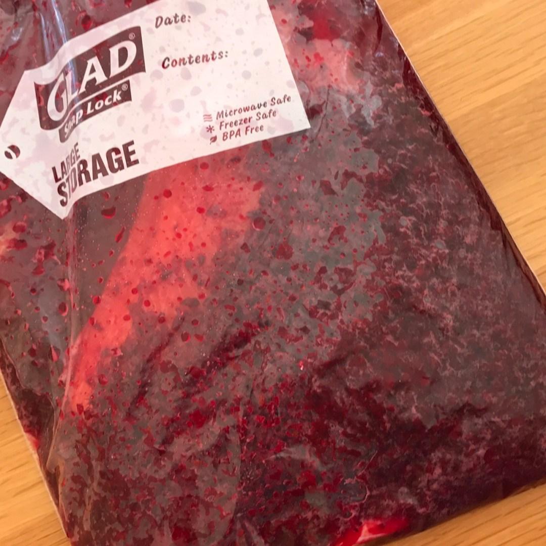Salmon marinading in the bag