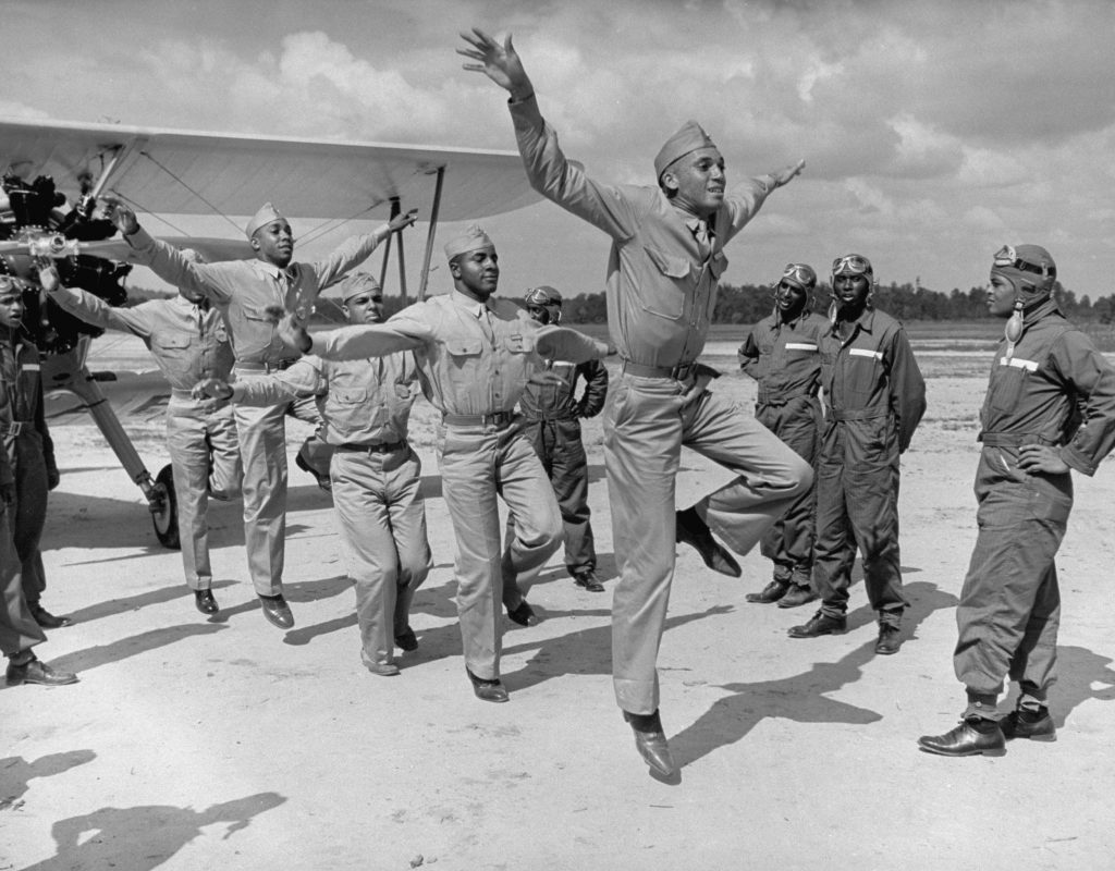 The Pictures That Defined World War Ii