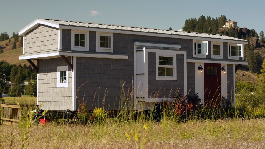 Tiny House Tour Expandable Tiny Cottage Fyi