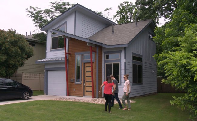 Watch An Expanding Family Downsizes In Austin Full Episode