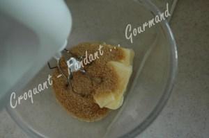Gâteau nectarine-myrtille DSC_0534_19028