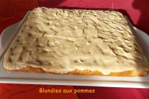 Blondie aux pommes DSCN1819_31472