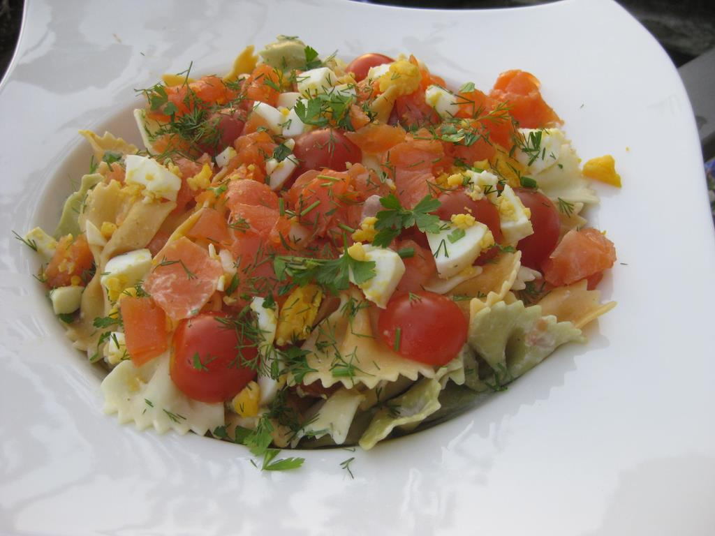 Salade de pâtes au saumon fuméIMG_5338_33000 (Copy)