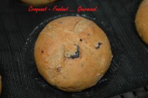 Petits pains aux olives-tomates & origan - mai 2009 225 copie