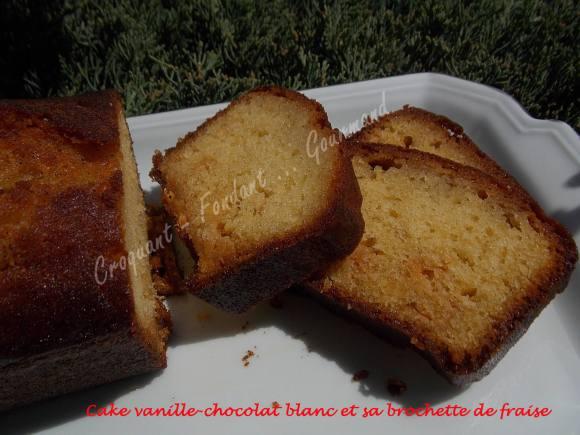 Cake vanille-chocolat blanc et sa brochette de fraise DSCN4442