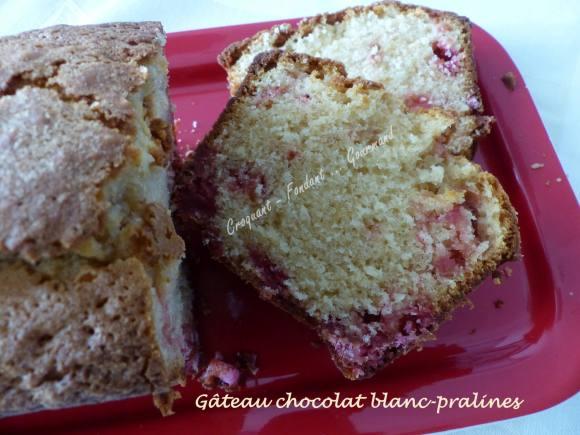 Gâteau chocolat blanc-pralines P1020309