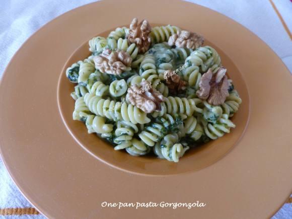 One pan pasta Gorgonzola P1030562