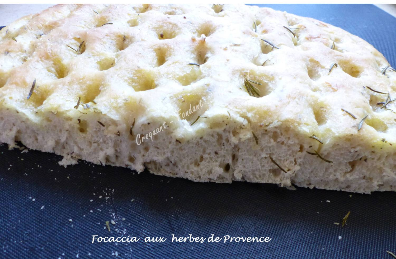 Focaccia aux herbes de Provence P1030472