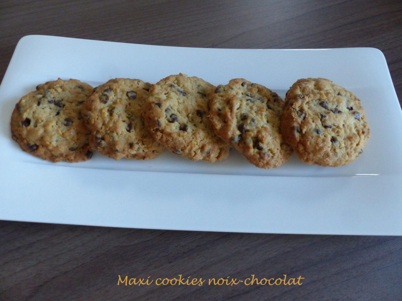Maxi cookies noix-chocolat P1060274 R