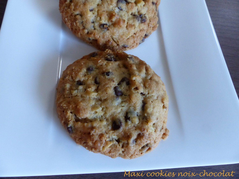 http://croquantfondantgourmand.com/wp-content/uploads/2018/10/maxi-cookies-noix-chocolat-p1060278-r