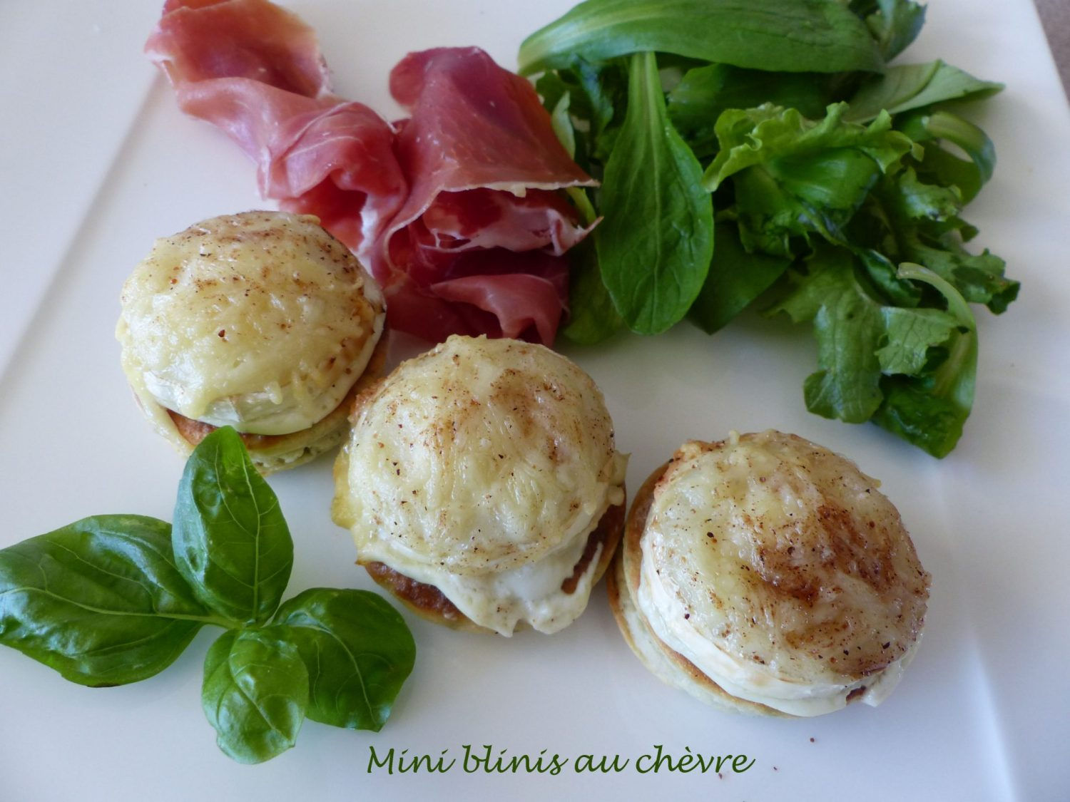 Mini blinis au chèvre P1130794 R
