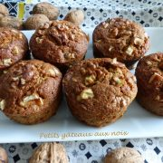 Petits gâteaux aux noix P1140256 R