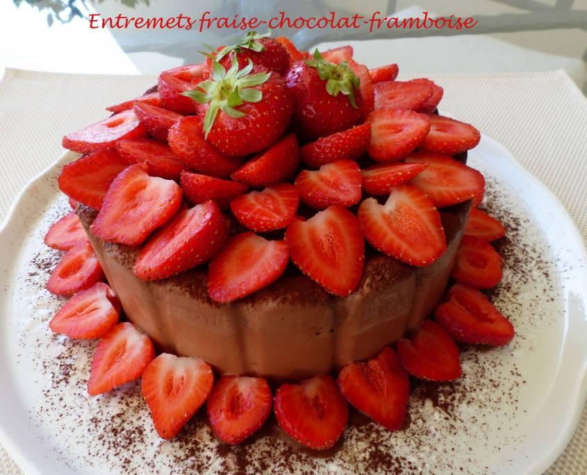 Entremets fraise-chocolat-framboise P1180666 R