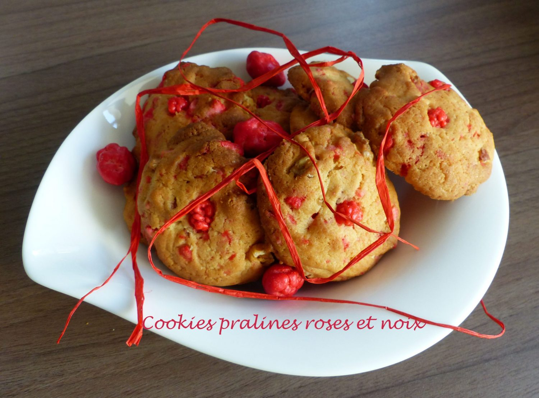 Cookies pralines roses et noix P1130215 R