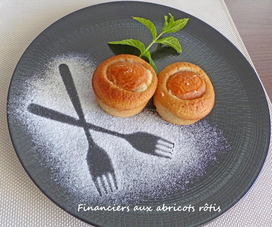 Financiers aux abricots rôtis P1250385 R (Copy)