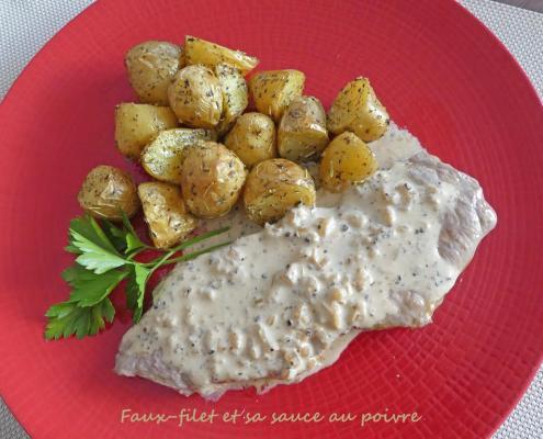 Faux-filet et sa sauce au poivre P1010284 R (Copy)