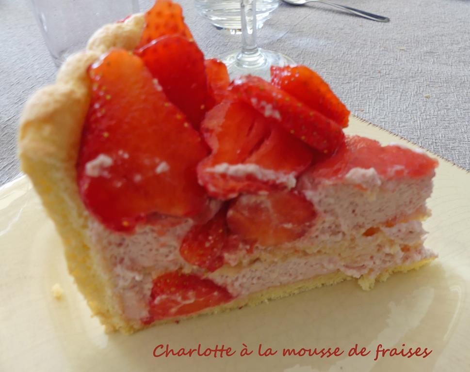 Charlotte à la mousse de fraises P1010453 R (Copy)